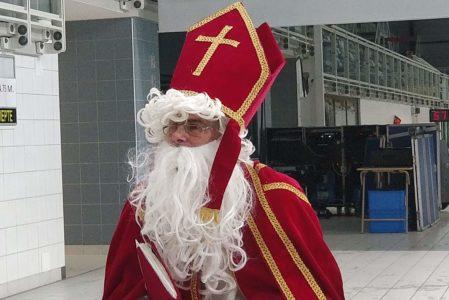 Hij komt, hij komt, die lieve goede Sint