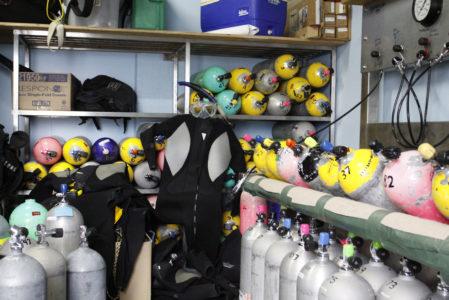 Opslag en vervoer van duikflessen